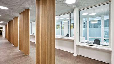 Anmeldebereich des Kundenzentrums im neuen Bezirksamt Hamburg-Mitte.